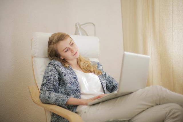 椅子の肘置きのクッションは100均(ダイソー)のものでなんとかなる?